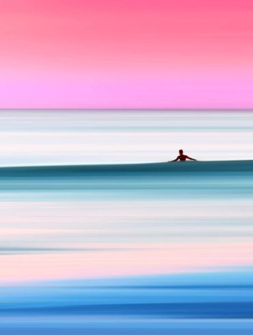 colorful surf photography by thomas fotomas